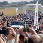 20.000 Motorräder fahren in der Parade der Bike Week mit