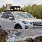 Land Rover Discovery Sport während Wasserdurchfahrt