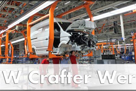 VW Mitarbeiten komplettieren die Bodengruppe des VW Crafter. Quelle: http://die-autotester.com