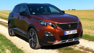 Peugeot 3008 2.0 l BlueHDi 150 110 kW (150 PS)