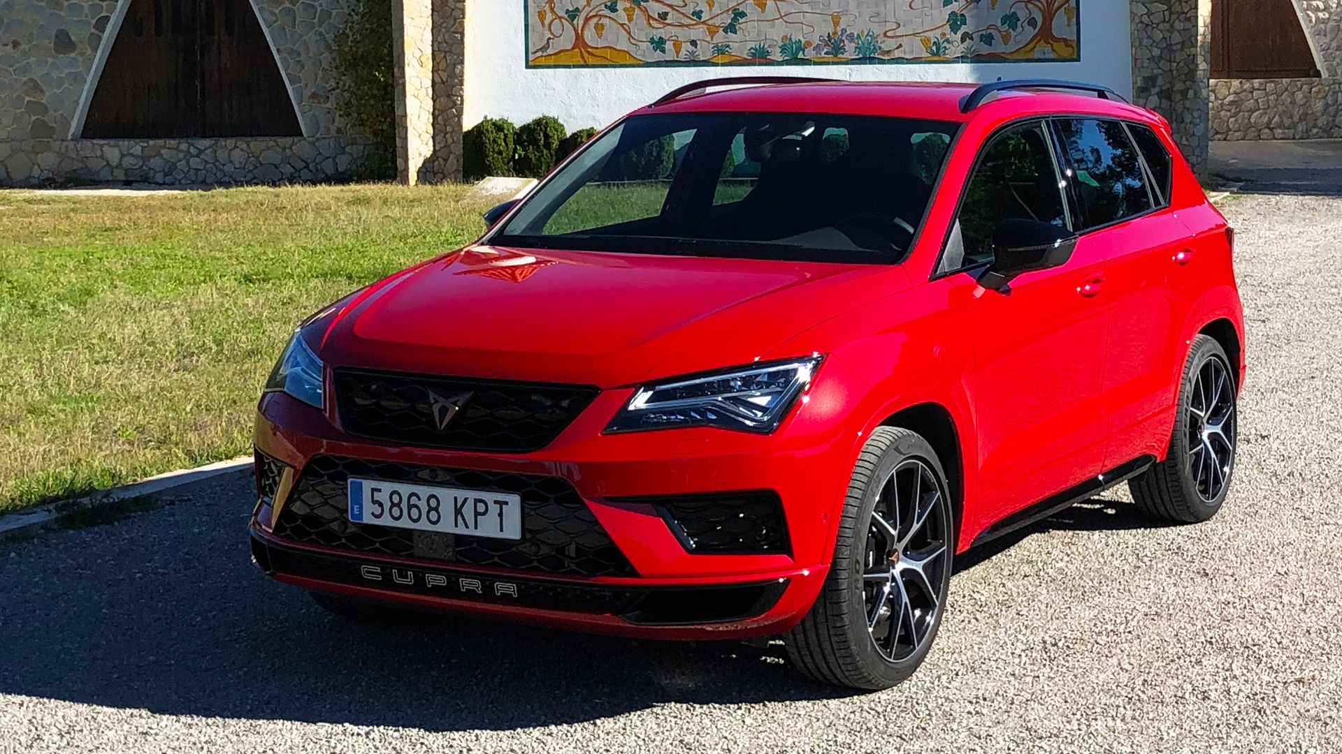 cupra ateca 2 0 tsi das 300 ps sport suv im test die autovideo autotest. Black Bedroom Furniture Sets. Home Design Ideas